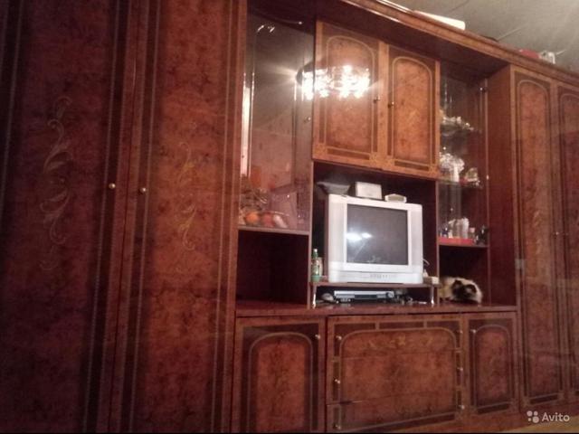 Мебельная стенка Шатура длина 4м высота 2.3 глубина 60 в хорошем состоянии 2платяных шкафа очень вместительная