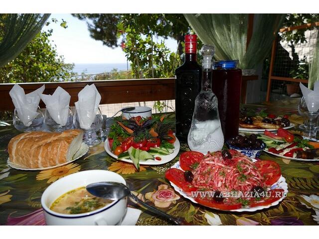 """Отдых в Абхазии """"Гребешок"""" частный сектор"""